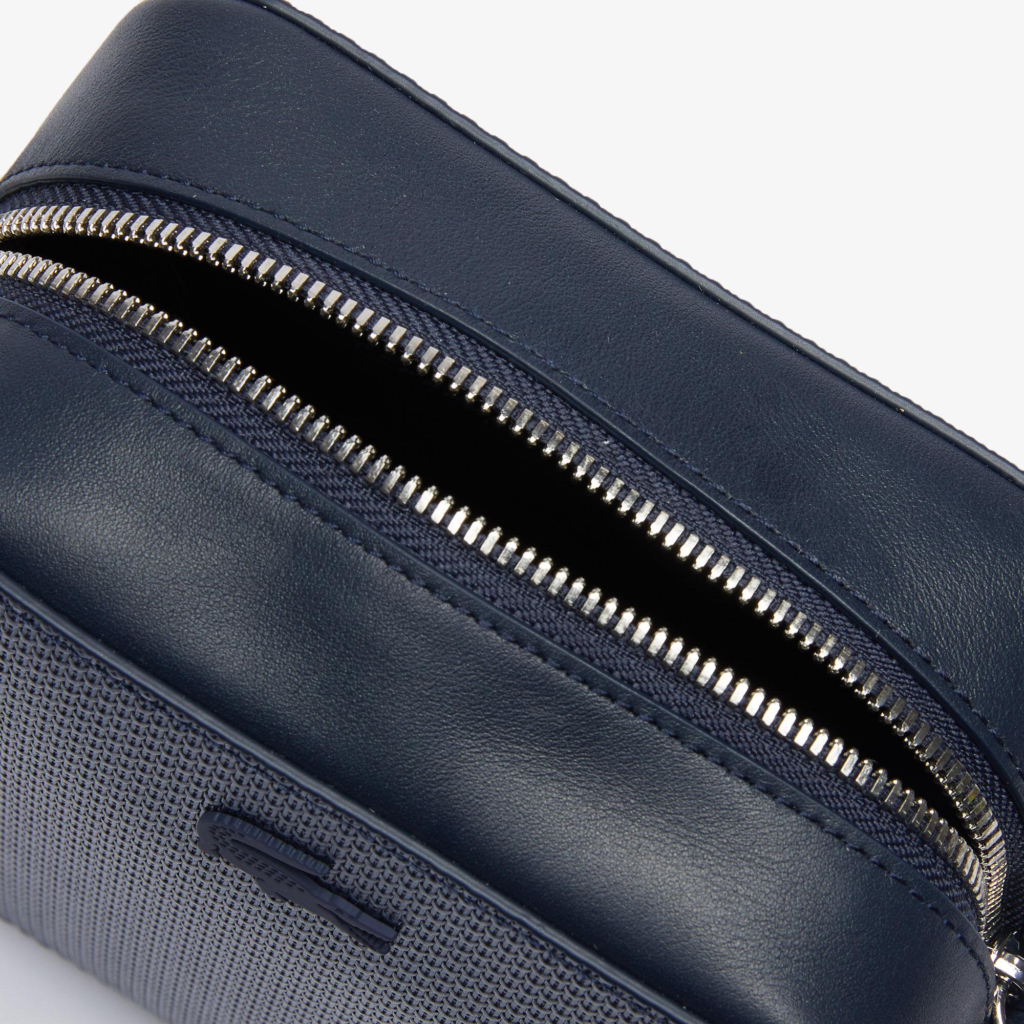 حقيبة كتف مربعة وصغيرة من جلد البيكيه غير اللامع مجموعة Chantaco للنساء